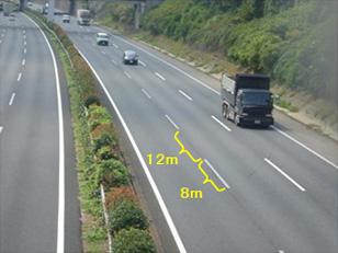 高速道路の白線って何メートル間隔なの?(ドライブまめ知識) | ドラ ...