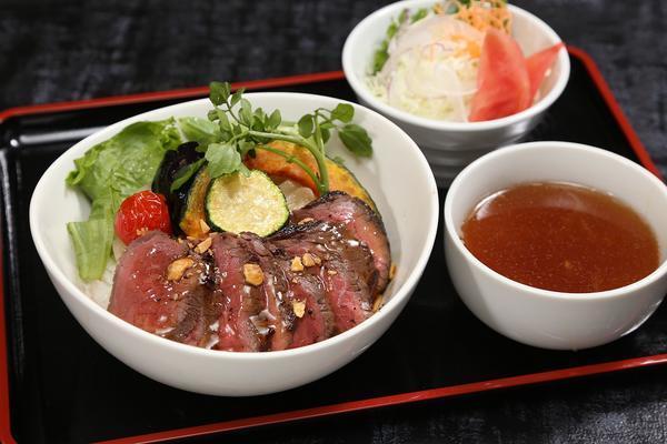 第1位「牛ステーキ丼」のイメージ画像