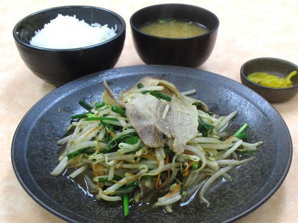 豚ニラ炒め定食.JPG