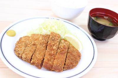 那須豚ロースカツ定食【大】.JPG