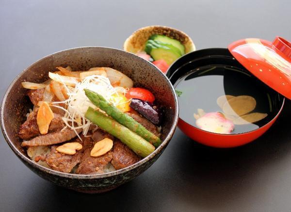 第2位「福島県産牛ステーキ丼」のイメージ画像