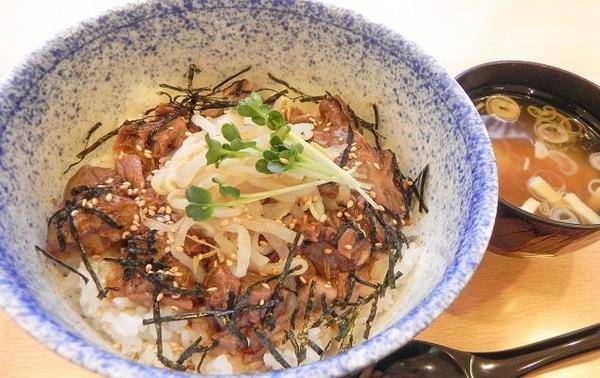 第2位「牛たん煮込み丼」のイメージ画像