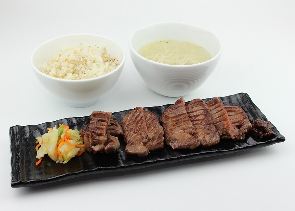 【New】牛タンしお定食1人前1,950 .JPG