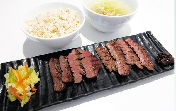 第2位「牛タンミックス定食」のイメージ画像