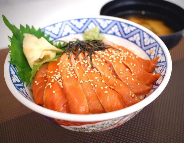 <季節限定>みやぎサーモン漬け丼のイメージ画像