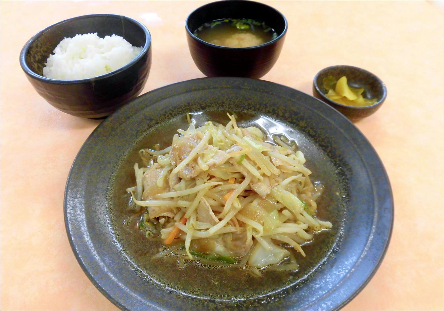 金成肉野菜炒め定食のイメージ画像