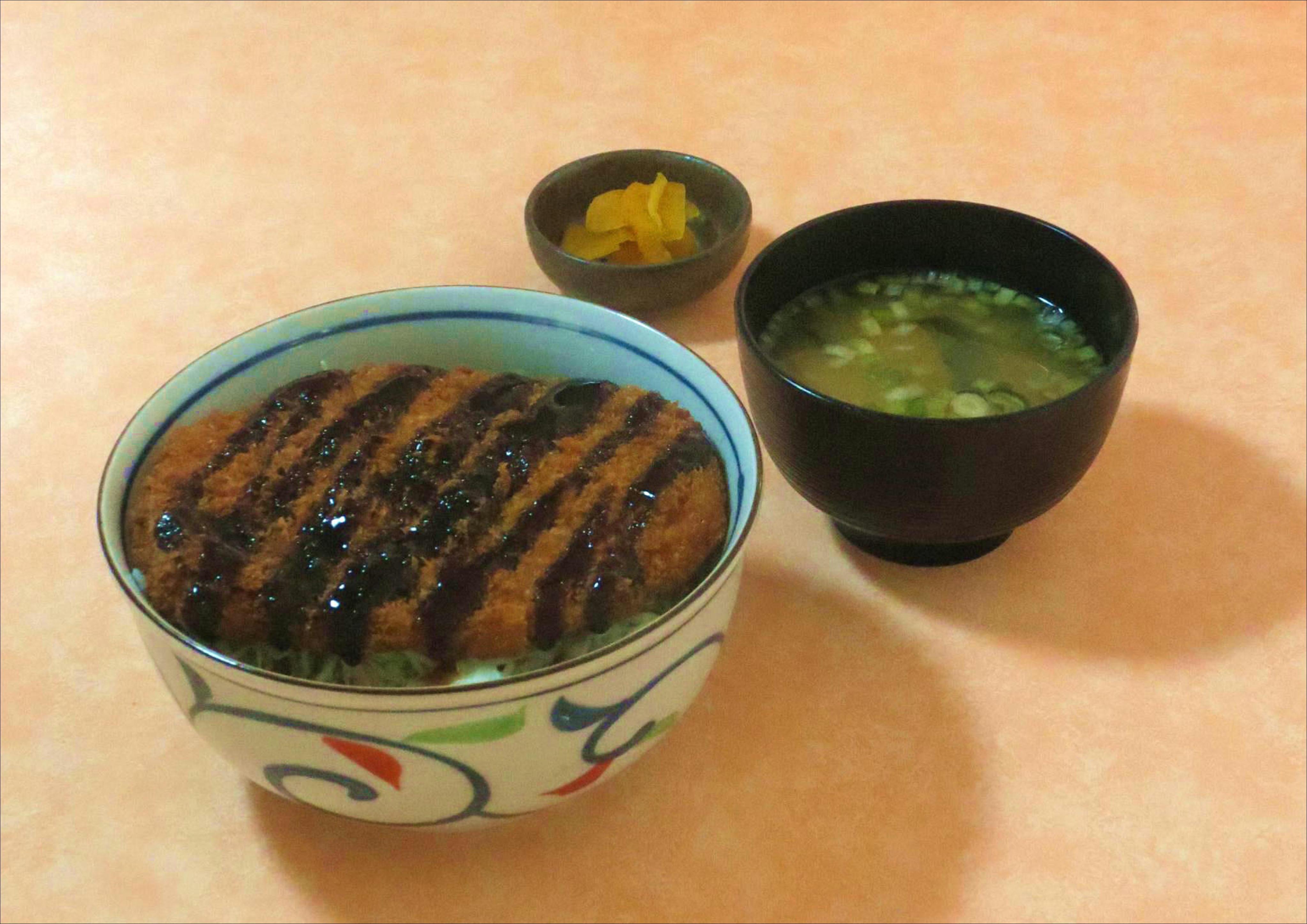 三元豚ソースカツ丼のイメージ画像