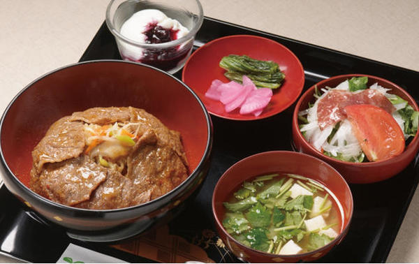 第3位「前沢牛ビビンバ風丼セット」のイメージ画像