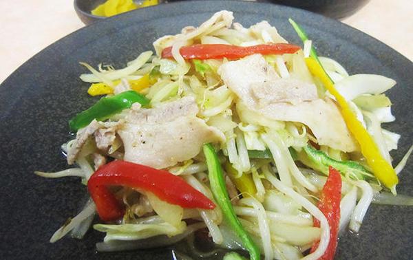 第2位「白ゆりポーク野菜炒め定食」のイメージ画像