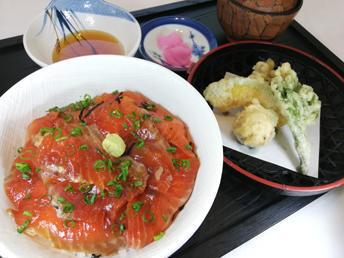 第3位「八幡平サーモンの漬け丼」のイメージ画像