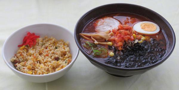 第3位「焼走り熔岩流らーめん&ミニ炒飯セット」のイメージ画像