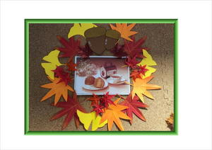 秋飾り壁2.JPG