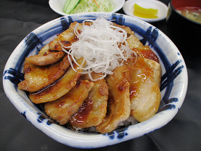 笹豚丼生野菜付 - コピー.png