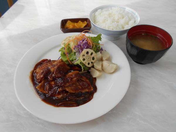 第1位「砂川ポークチャップ定食」のイメージ画像
