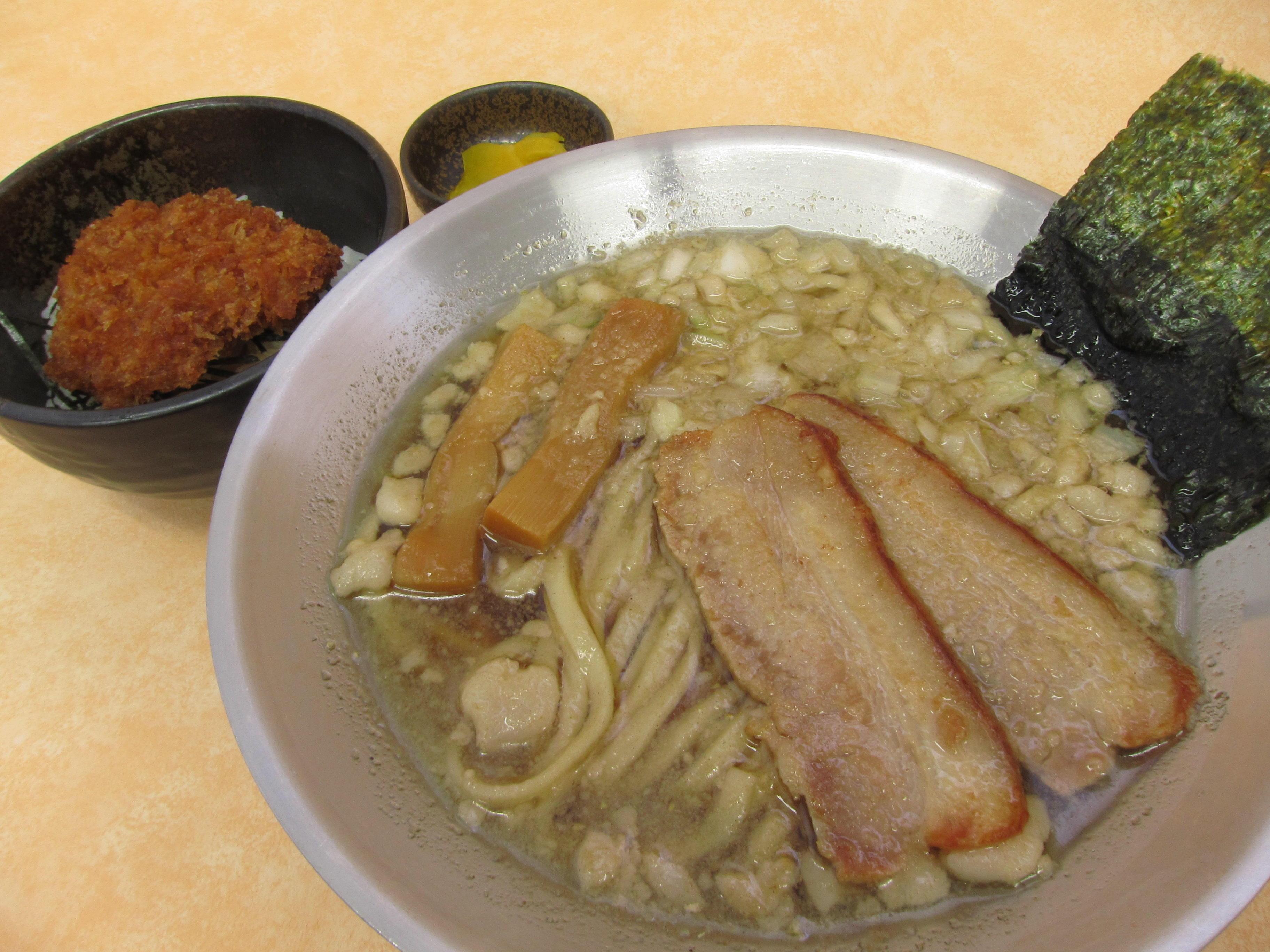 背脂ラーメンセットミニタレかつ丼のイメージ画像