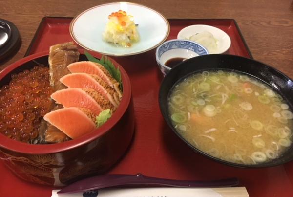 鮭の親子丼.png