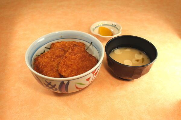 第3位「越乃黄金豚タレカツ丼」のイメージ画像