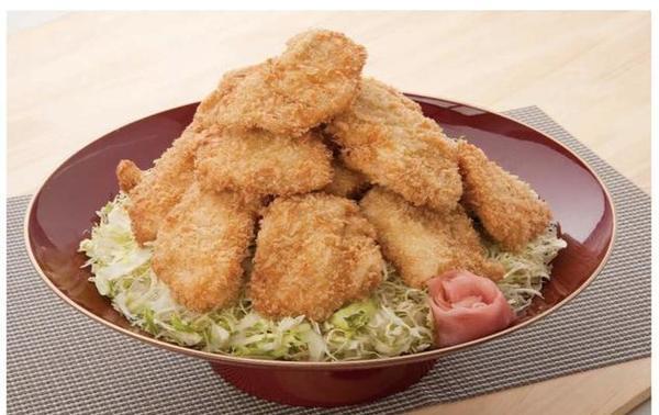 第1位「MEGA盛りタレカツ丼」のイメージ画像