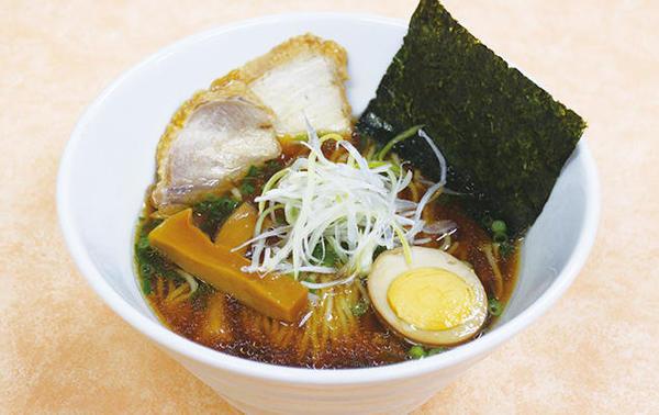 第2位「比内地鶏チャーシュー入 醤油ラーメン」のイメージ画像