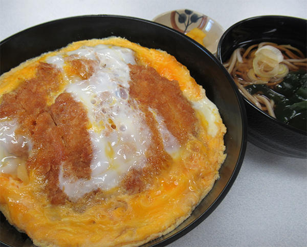 第1位「ロースかつ丼ミニそばセット」のイメージ画像