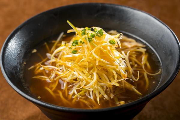 第1位「ピリ辛ネギラーメン(醤油)」のイメージ画像