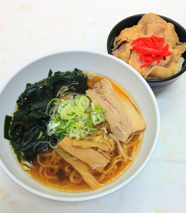 第3位「醤油ラーメン+ミニ豚丼」のイメージ画像