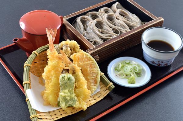 第1位「天ぷらとへぎそば」のイメージ画像