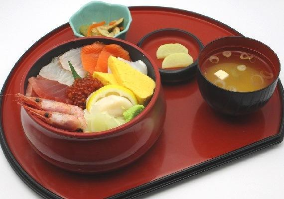 越後海鮮丼 1,300円(税込)のイメージ画像