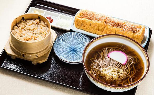 第2位「栃尾ジャンボ揚げ定食」のイメージ画像