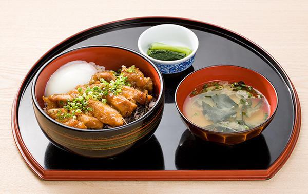 鶏旨煮丼のイメージ画像