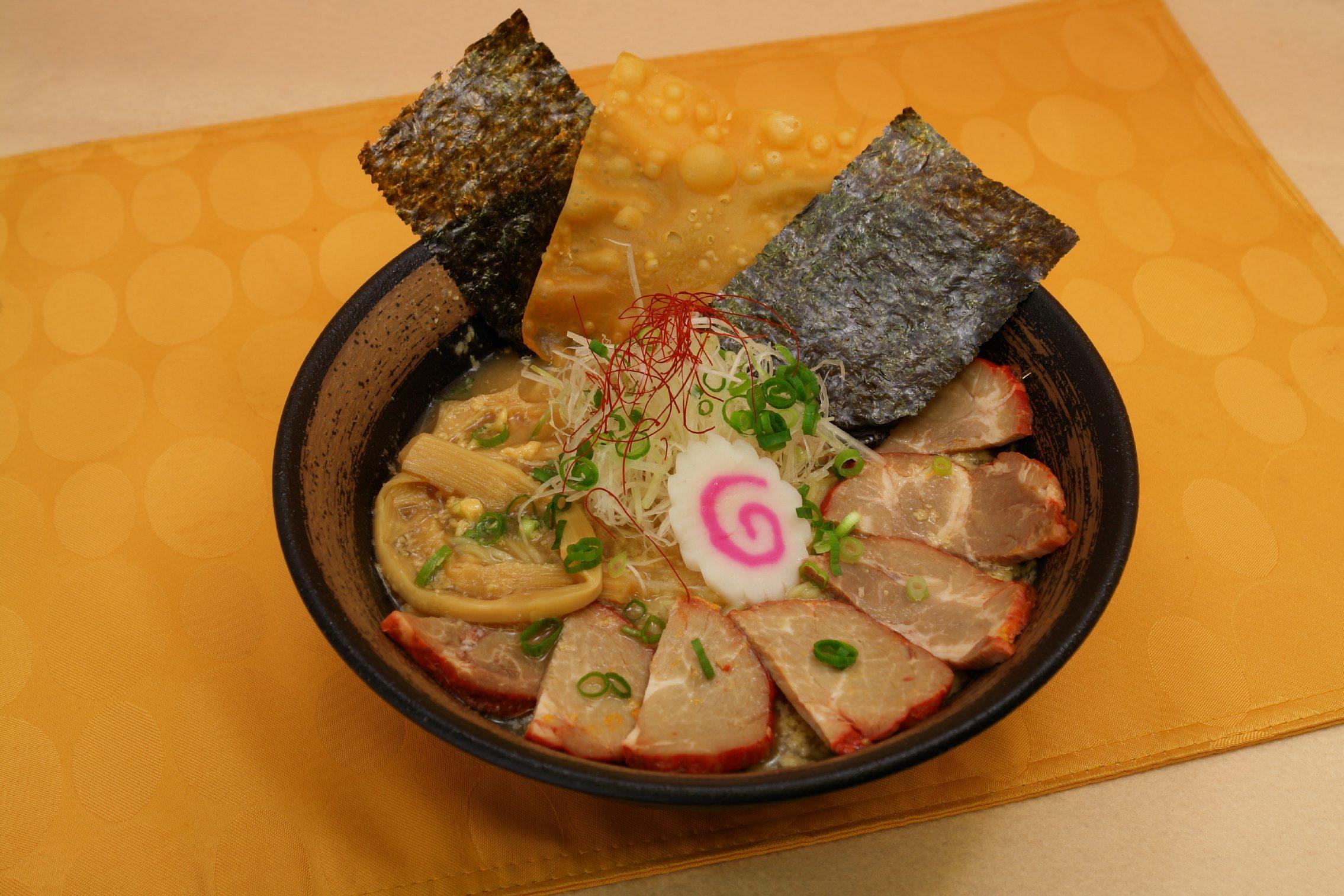 おすすめベスト1 醤油チャーシュー麺 / 1120円