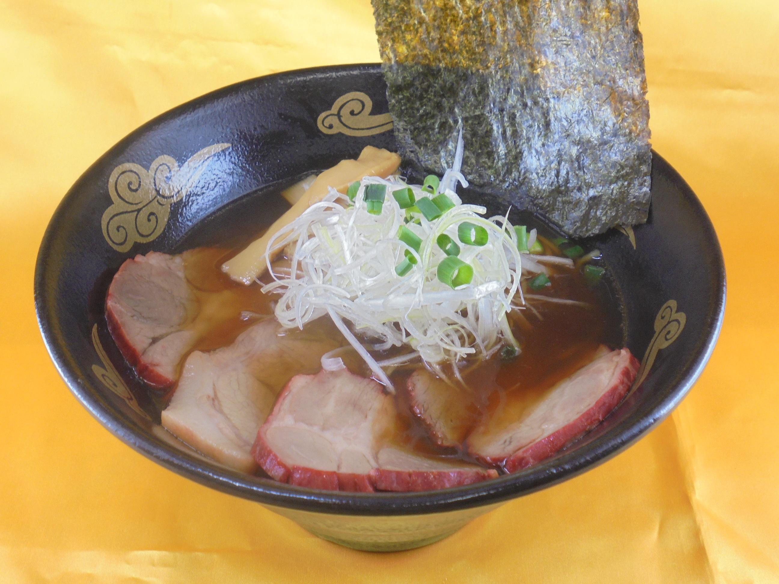 おすすめベスト1 醤油チャーシュー麺 / 1140円