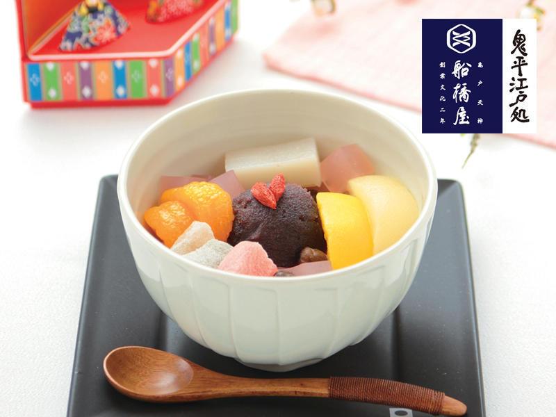 桃のあんみつ/572円